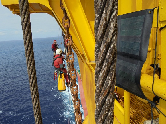 Six Greenpeace Climbers Scale Shells Arctic-Bound Oil Rig